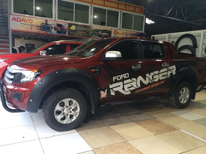 do op cua lop 4 banh Ford Ranger