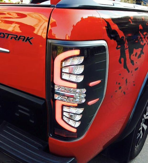 do xe Ford Ranger den led hau 2015