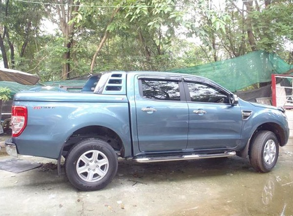 np thung ford ranger 2015