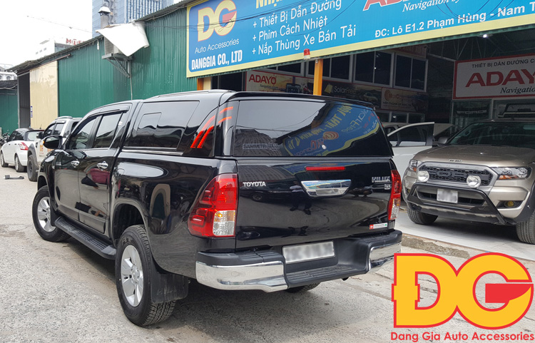 http://napthungxebantai.vn/Uploads/images/nap-thung-thep-toyota-hilux-tl1.jpg