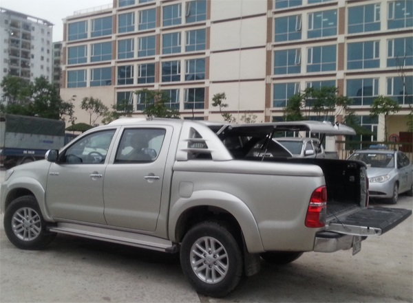 nap thung xe toyota hilux 90 do