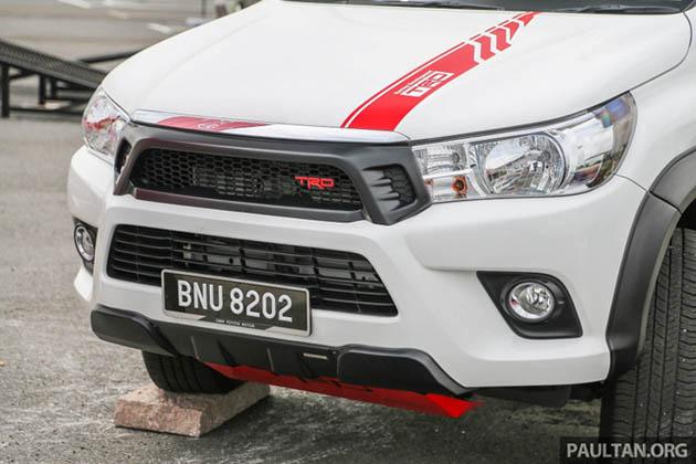 Toyota Hilux 2018 phụ kiện TRD