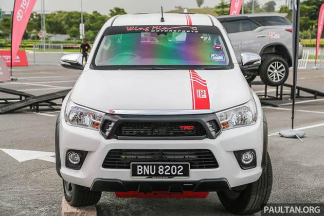 Toyota Hilux phụ kiện TRD