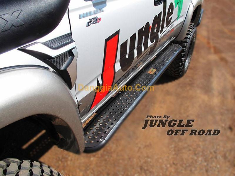 Bậc bước chân xe Ford Ranger hãng Jungle
