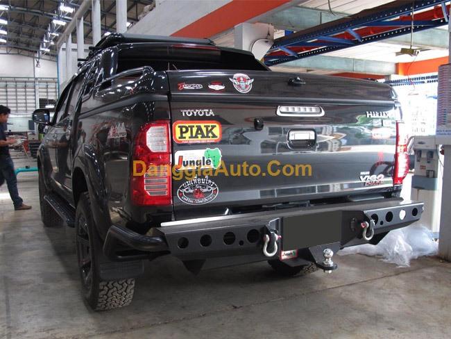 Cản sau Toyota Hilux Revo/Vigo mã PJ-241