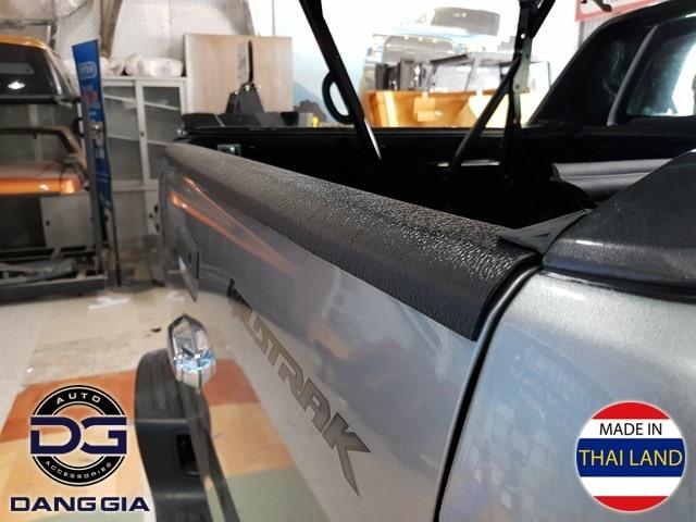 Ốp bửng chống xước xe Ranger và BT-50
