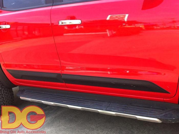 Ốp sườn xe Ford Ranger nhập Thái Lan